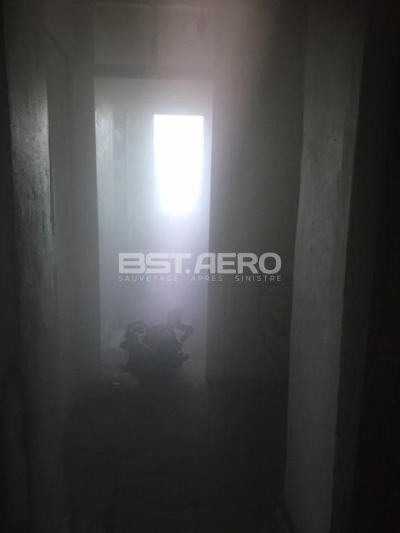 Humidit dans une maison humidit maison des difficults vendre sa maison humidit et remontes - Comment eliminer la poussiere dans une maison ...